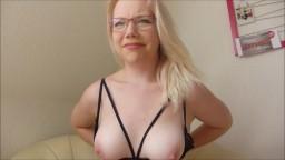 JuleStern - Meine erste Webcam- und Porno-Azubine