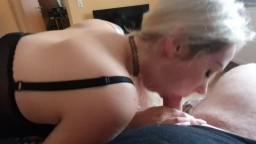 StellaCinderella - Der Handwerker spritzt mir eine Ladung in den Mund