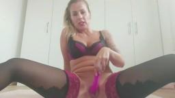 KatyQueen - Selbstbefriedigung mit Vibrator in Dessous - Pussy und Arsch