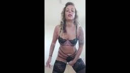 KatyQueen - Dessous Show mit Abspritzcountdown