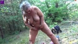 RosellaExtrem - Einem User Public, am Badesee, auf den Schwanz gepisst, gesquirtet und gesabbert