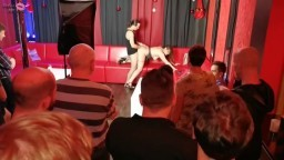 HollyBanks - Mein erster Show-Fick