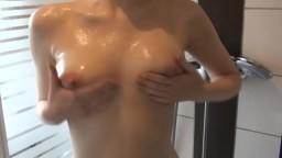 Jenna-Jaxson - Titten einoelen