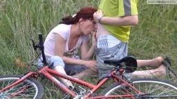 Inga-Star - Radtour-Crash Retter darf meinen Arsch entjungfern