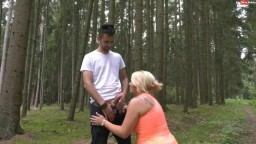 Tatjana-Young - Spermageile Hobbyhure im Wald