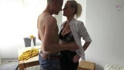 Dirty-Tina - Die Fick-Therapeutin - Aufgestrapste Aerztin fickt Patienten